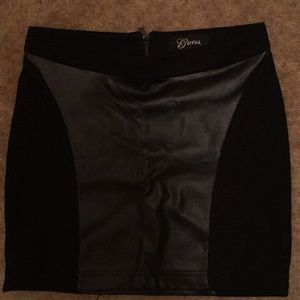 Guess leather mini skirt